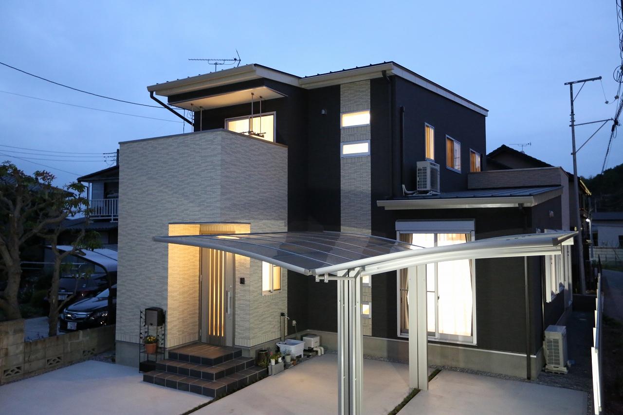 総タイル張り・狭小地住宅・二世帯住宅の家/栃木県宇都宮市